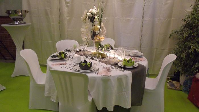 Location de décors de table orchidée.